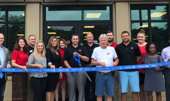 A&R Flooring celebrates ribbon cutting