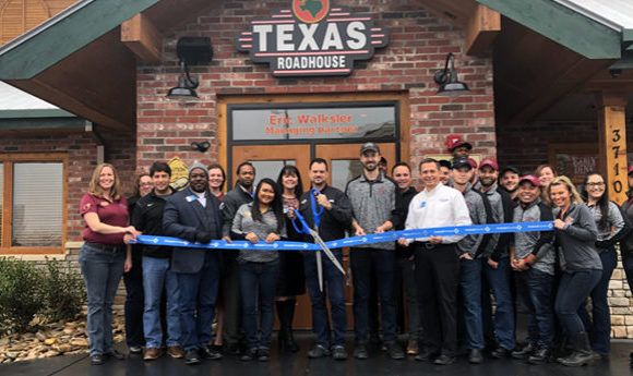 Texas Roadhouse celebrates grand opening in Buford